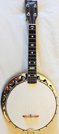 Bacon ukulele-banjo - front view