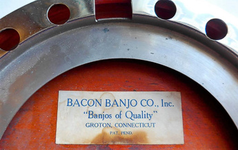 Bacon ukulele-banjo - label