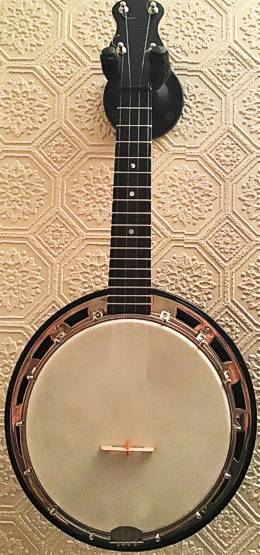 Barnes Abbott Monarch copy ukulele banjo - front