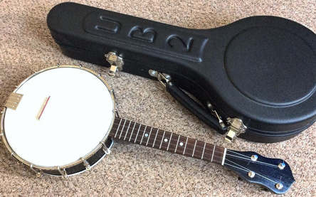Beharrell ukulele-banjo - with case