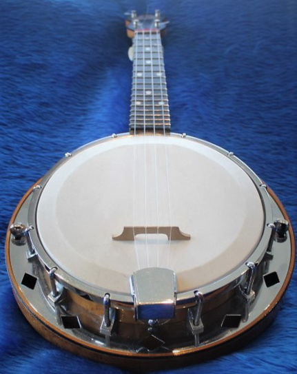 Dallas D banjo-uke - end view