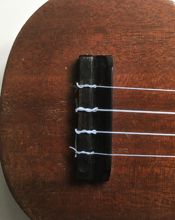 La Foley ukulele - bridge