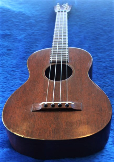 Martin tenor ukulele - end view