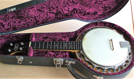 Ron Beddoes New Concert ukulele banjo - in case