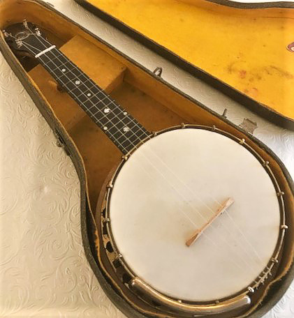 Windsor Whirle ukulele banjo - in case